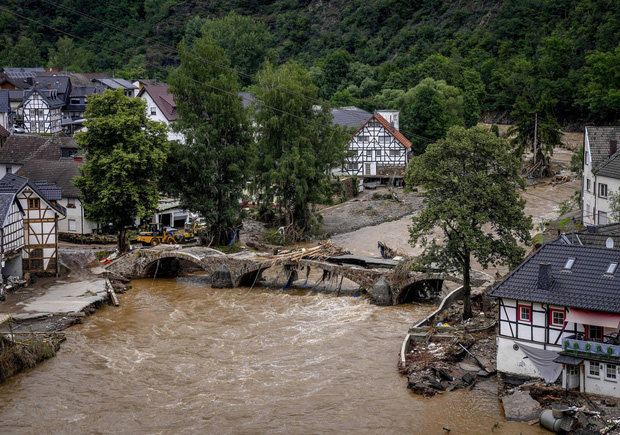 Số nạn nhân tử vong trong trận mưa lũ lịch sử ở Đức và Bỉ tăng lên 170 người - Ảnh 5.