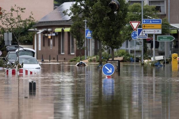 Số nạn nhân tử vong trong trận mưa lũ lịch sử ở Đức và Bỉ tăng lên 170 người - Ảnh 10.