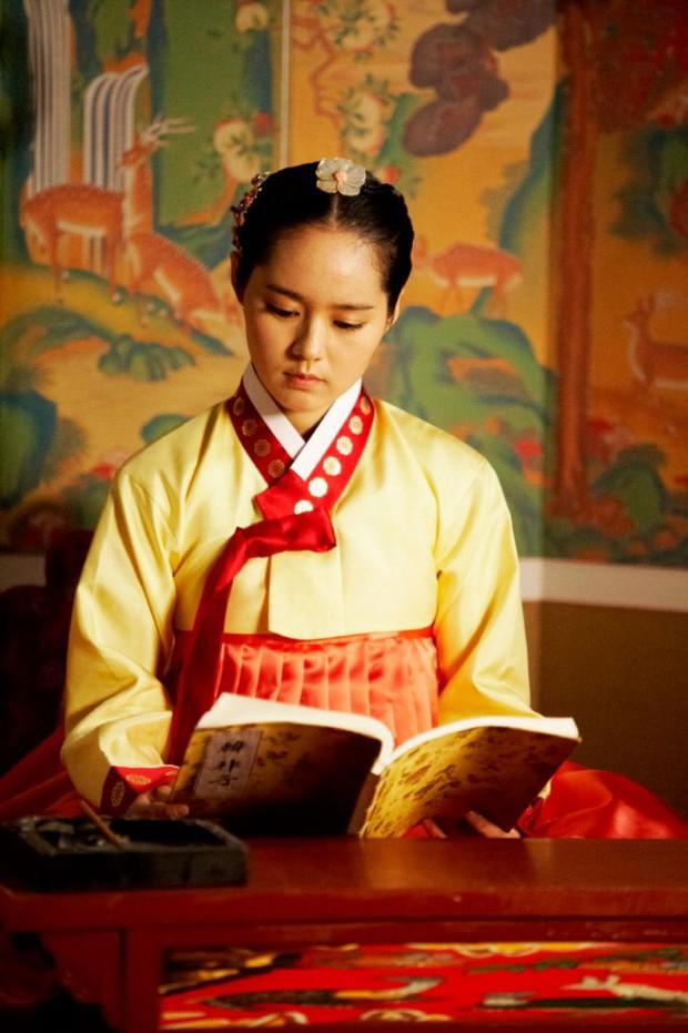 4 phù thủy xinh đẹp trên màn ảnh Hàn: Visual cực phẩm giúp mợ ngố Song Ji Hyo lấn át các đàn em - Ảnh 5.