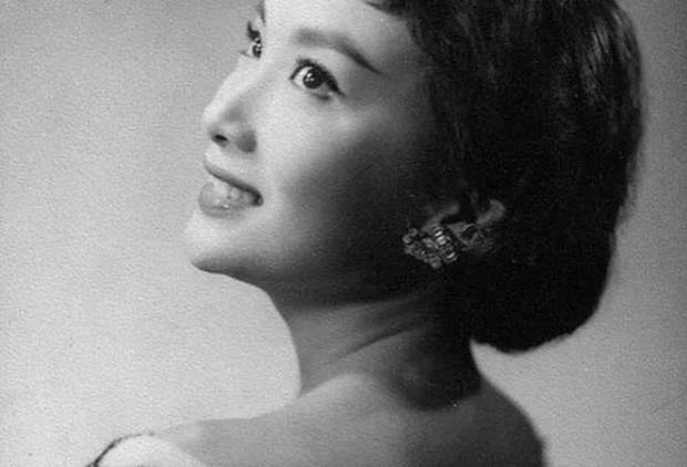 Nguyên mẫu Tiểu Long Nữ ngoài đời thật - nàng thơ của Kim Dung với nhan sắc rung động lòng người và mối tình đơn phương mãi tiếc nuối - Ảnh 7.