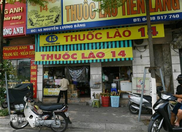 Hà Nội: Chủ quán cất bia bán nước lọc, nhiều cửa hàng không thiết yếu vẫn mở cửa sau Công điện 15 - Ảnh 15.