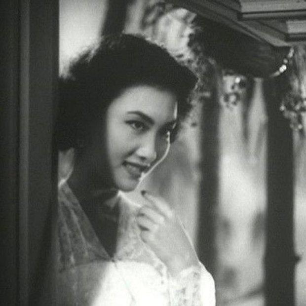 Nguyên mẫu Tiểu Long Nữ ngoài đời thật - nàng thơ của Kim Dung với nhan sắc rung động lòng người và mối tình đơn phương mãi tiếc nuối - Ảnh 9.