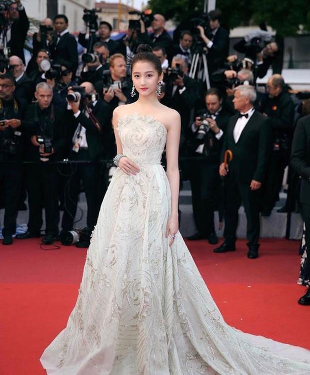 Phạm Băng Băng chặt chém Cannes, Nhiệt Ba thả dáng xuất thần tại Milan, Cô Vy nhanh đi đi để dàn nữ thần Cbiz toả sáng - Ảnh 28.