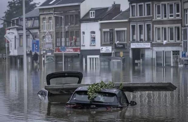 Số nạn nhân thiệt mạng vì trận mưa lũ chưa từng có ở châu Âu tăng lên ít nhất 190 người - Ảnh 2.