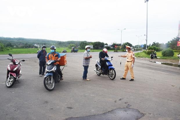 Số ca mắc Covid-19 ở Phú Yên tăng mạnh, giãn cách xã hội 14 ngày huyện Phú Hòa - Ảnh 1.