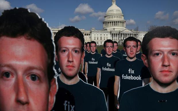 Sở hữu Messenger, Mark Zuckerberg chính là kẻ nguy hiểm nhất hành tinh: Theo dõi tin nhắn, cuộc gọi, thậm chí tự động tải file người dùng gửi cho nhau - Ảnh 1.