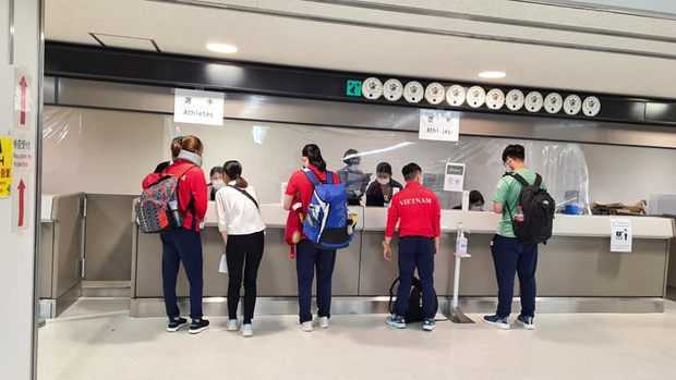 Đoàn thể thao Việt Nam đã tới Tokyo an toàn, tiến hành kiểm tra y tế trước khi nhập làng VĐV - Ảnh 4.