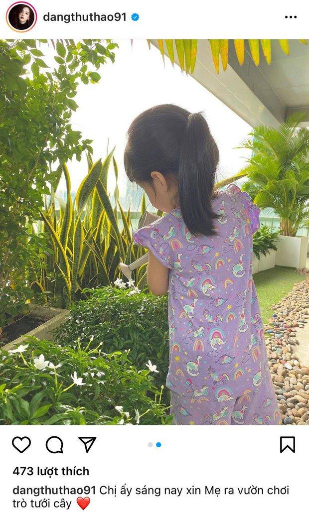 Đặng Thu Thảo khoe ảnh con gái lớn phổng phao tự chơi cực ngoan giữa mùa dịch, vô tình để lộ 1 góc penthouse đắt đỏ - Ảnh 3.