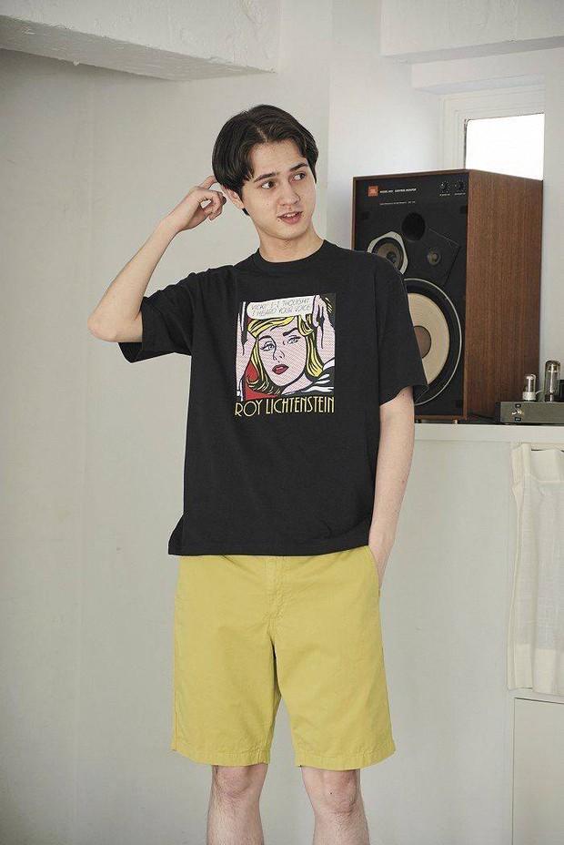 T-shirt bình dân nhưng design xịn xò, chất vải cực thích: Nhiều mẫu đang sale bạn nên mua sớm - Ảnh 1.