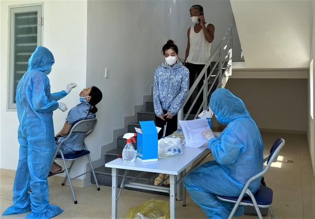 Thêm 7 ca dương tính SARS-CoV-2, Quảng Nam thực hiện giãn cách xã hội 1 xã - Ảnh 1.