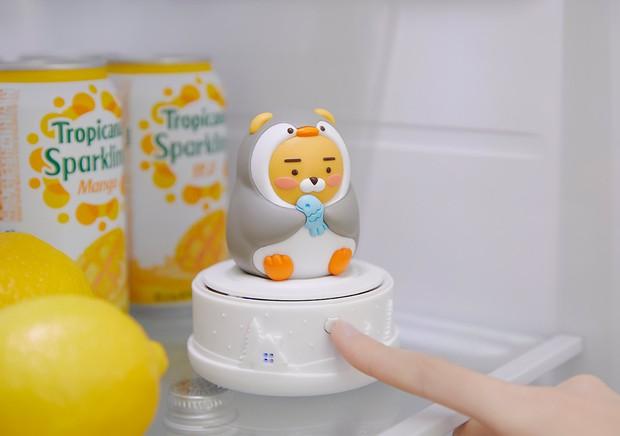 Kakao Friends có máy khử mùi tủ lạnh xinh xỉu lại còn tiết kiệm điện, nhiều nhà muốn sắm lắm đây - Ảnh 1.
