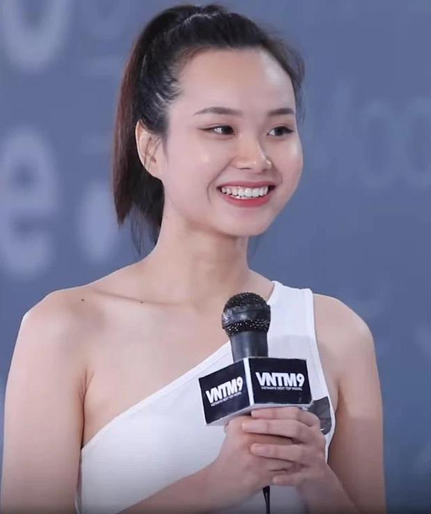 GK Nam Trung nhất quyết loại một cô gái khỏi Vietnams Next Top Model vì thói quen bàn tay cực xấu! - Ảnh 3.