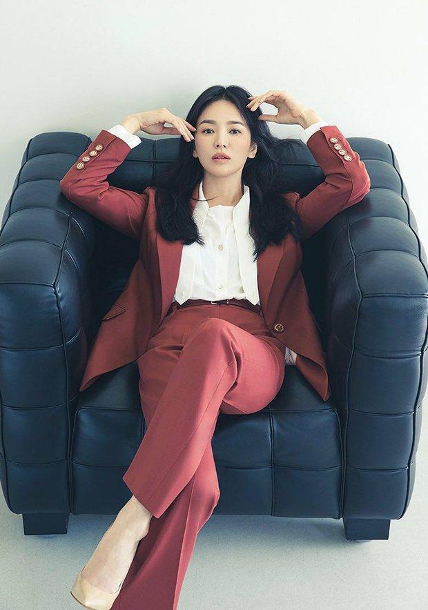 Giữa lúc Song Joong Ki lao đao vì phốt, Song Hye Kyo gây bão với nhan sắc đỉnh cao nhưng lại dính nghi án cà khịa? - Ảnh 2.