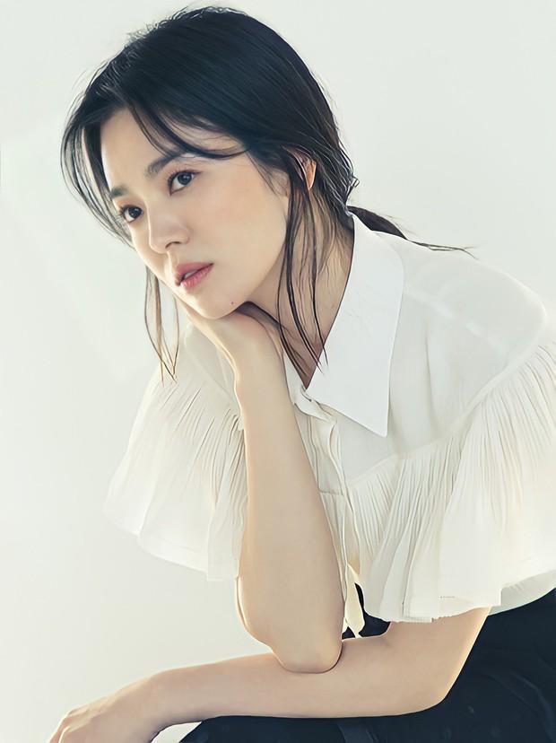 Giữa lúc Song Joong Ki lao đao vì phốt, Song Hye Kyo gây bão với nhan sắc đỉnh cao nhưng lại dính nghi án cà khịa? - Ảnh 4.