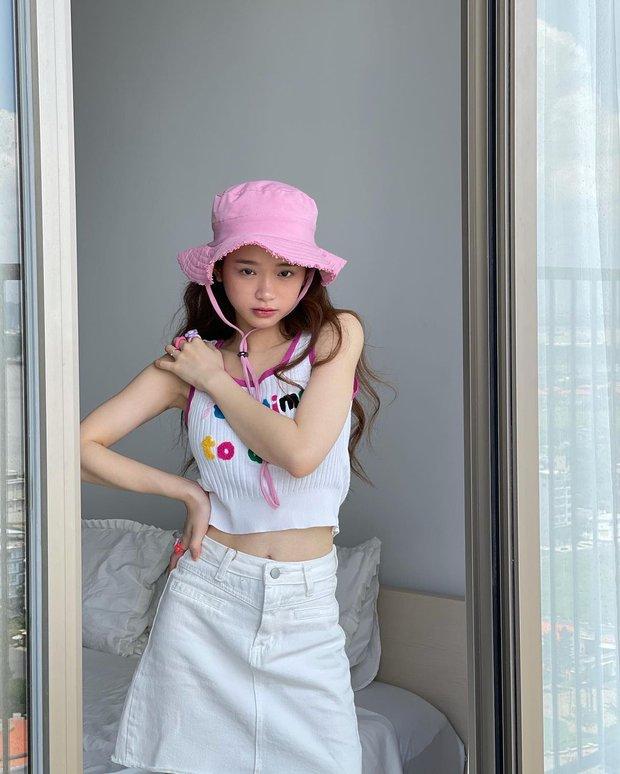 """Đồ local brand sao Việt vừa diện: Crop top của Linh Ka chỉ 240k, nội y sexy của Mẫn Tiên đang sale chị em """"múc"""" liền - Ảnh 1."""