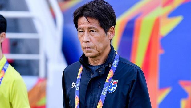 HLV Akira Nishino khẳng định không có chuyện cắt liên lạc với LĐBĐ Thái Lan - Ảnh 1.