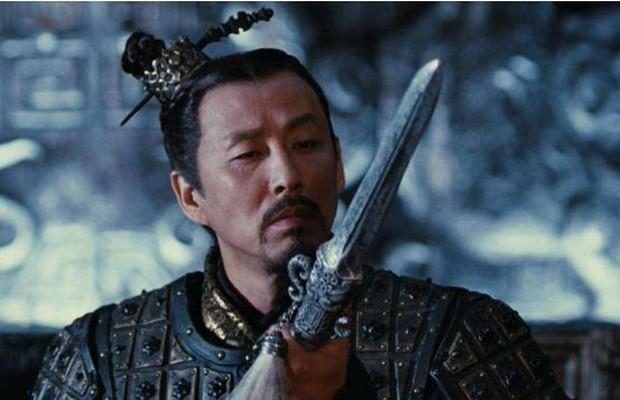 Xót xa hình ảnh Tần Thuỷ Hoàng uy nghi, hoành tráng 1 thời giờ đây bất ngờ gầy rộc, lủi thủi ăn cơm bình dân 1 mình - Ảnh 5.