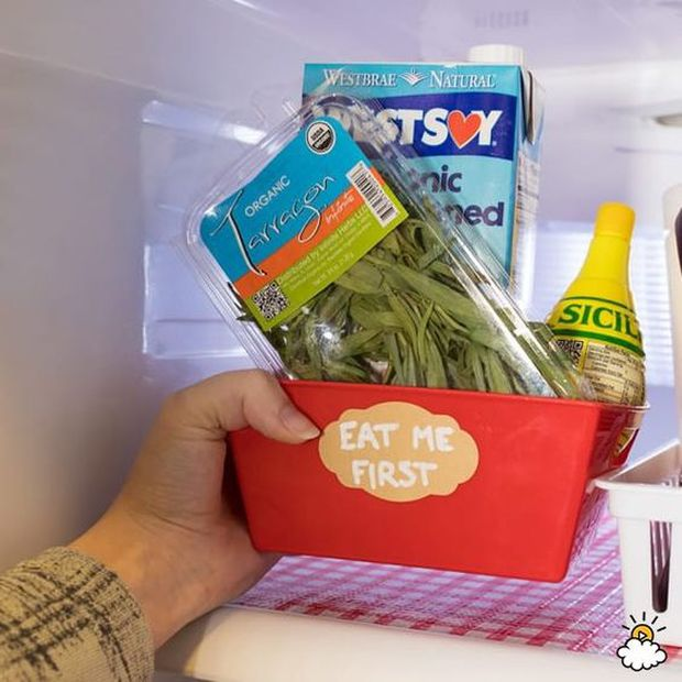6 mẹo giúp bạn xử đẹp chiếc tủ lạnh ngổn ngang thực phẩm, vừa dễ vừa khoa học không ngờ - Ảnh 3.
