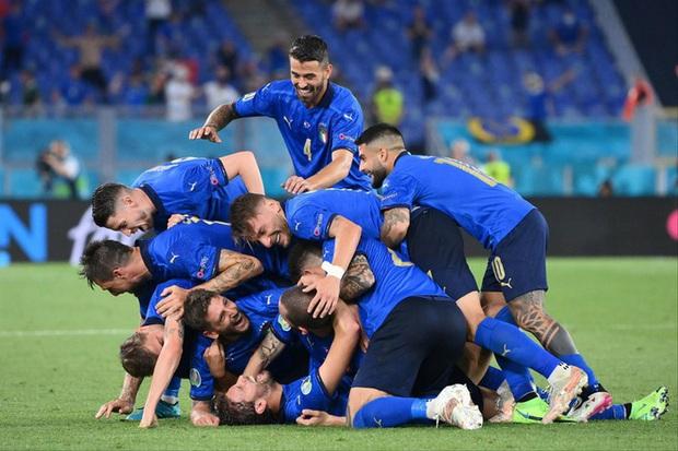 Tứ kết EURO 2020: Đội tuyển nào sẽ thi đấu bùng nổ? - Ảnh 2.