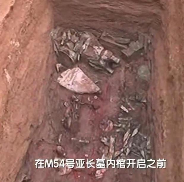 Giải mã bàn tay kỳ quái trong mộ cổ 3.000 năm tuổi: Khai quật hàng chục nghìn ngôi mộ khác cũng không có cái thứ 2! - Ảnh 1.