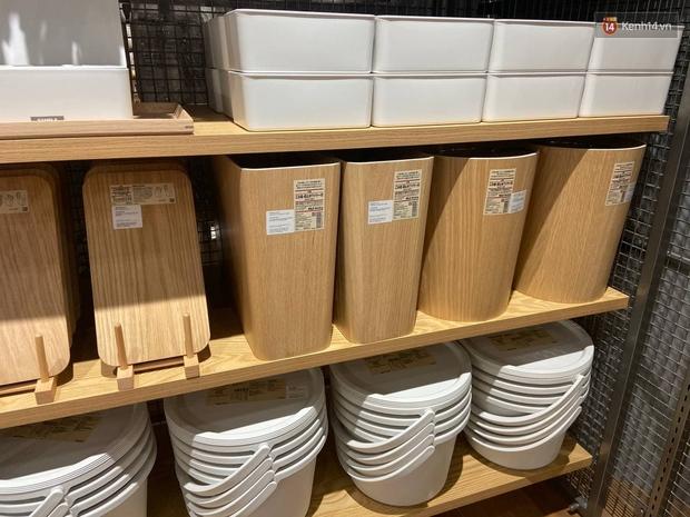 Soi đồ gia dụng tại store MUJI Hà Nội trước ngày khai trương: Nhìn gì cũng mê nhưng thắt lòng vì một số thứ đắt hơn tưởng tượng - Ảnh 4.