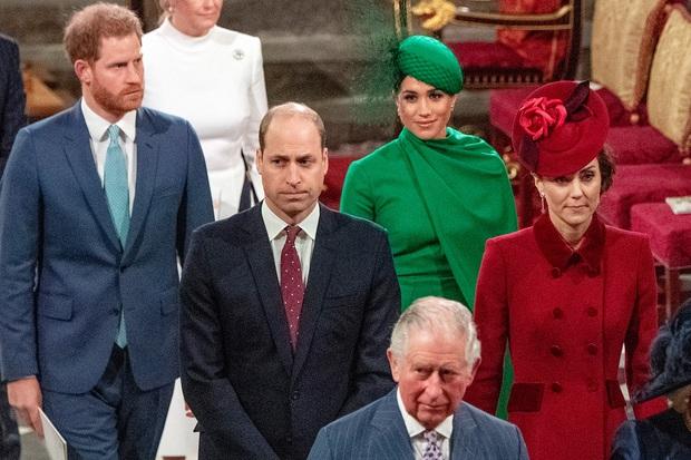 Hoàng tử Harry có động thái mới khiến cả Hoàng gia Anh run sợ và lo lắng, khẳng định sẽ vạch trần không sót thứ gì về thị phi trong cung điện - Ảnh 2.