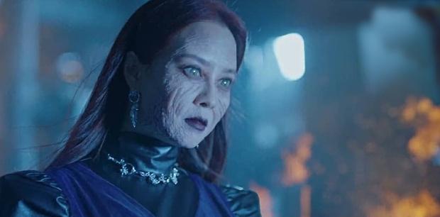 Bàn Tiệc Phù Thủy: Hotel Del Luna bản ngưng tấu hài, mợ ngố Song Ji Hyo thăng cấp visual, ma mị đến rợn người - Ảnh 11.