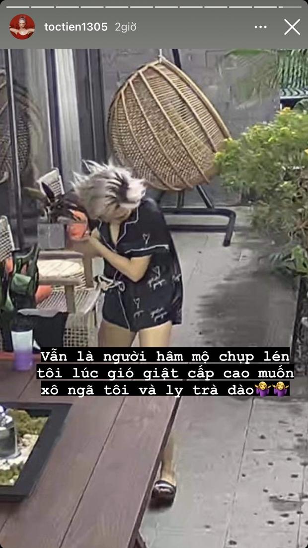 """Ở trong biệt thự nghỉ dịch mà Tóc Tiên vẫn bị ai đó """"dìm"""" tơi tả từ bếp đến sân, """"thủ phạm"""" phía sau lộ diện mà cười xỉu! - Ảnh 4."""