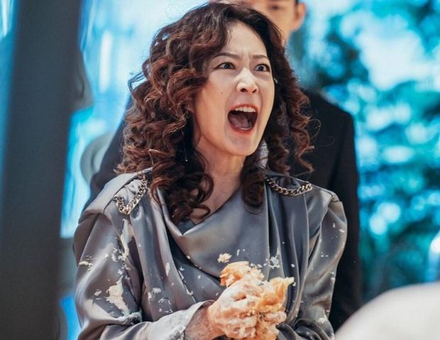 4 phim Hàn có gu thời trang đỉnh cao nhất mọi thời đại: Hội Penthouse còn thua xa chịu Nguyệt IU - Ảnh 26.