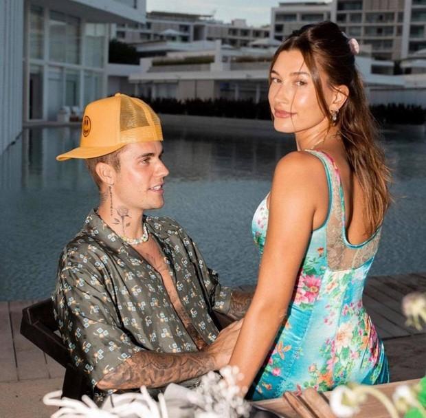 """Justin Bieber và Hailey sắp có em bé sau 2 năm kết hôn, """"hint"""" lồ lộ trong ảnh mới của 2 vợ chồng? - Ảnh 3."""