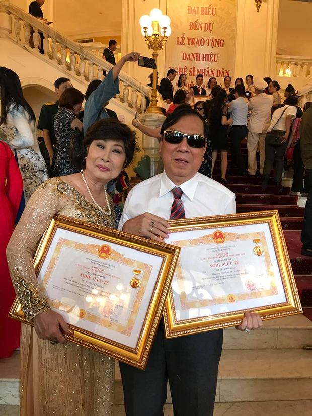 NSƯT Khải Hoàn nhiễm Covid-19, là nghệ sĩ Việt thứ 3 phải nhập viện vì dịch bệnh - Ảnh 2.