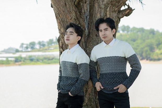 Phía Đan Trường làm rõ nghi vấn diện đồ đôi: Áo Trung Quang đơn giản quá, stylist phải lấy áo dự phòng của Đan Trường - Ảnh 1.