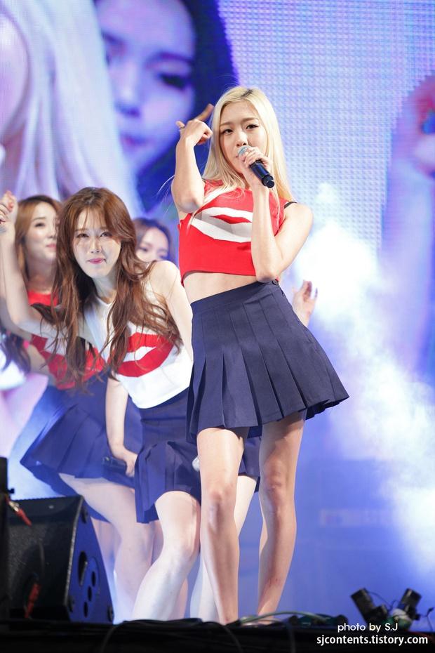 Ác mộng dùng chung đồ của idol Hàn: Trang sức không được lau chùi, quần áo hôi mấy cũng không được giặt sạch sẽ - Ảnh 2.