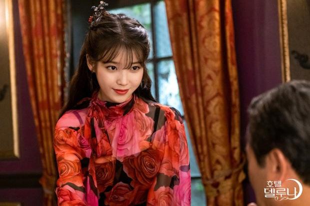 4 phim Hàn có gu thời trang đỉnh cao nhất mọi thời đại: Hội Penthouse còn thua xa chịu Nguyệt IU - Ảnh 3.