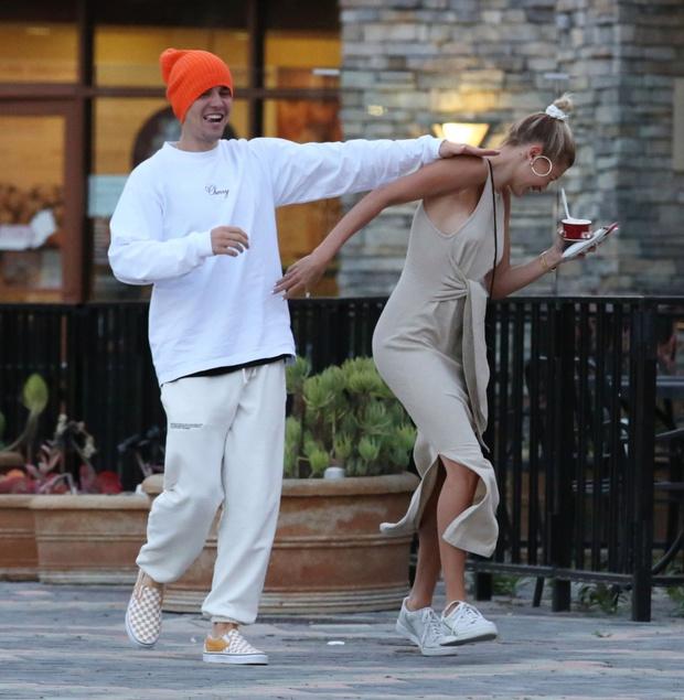 Tranh cãi những lần Justin Bieber bị tố thái độ lồi lõm với vợ: Bỏ quên kệ vợ ngã, la hét vào mặt cho đến choảng nhau quá trớn - Ảnh 10.