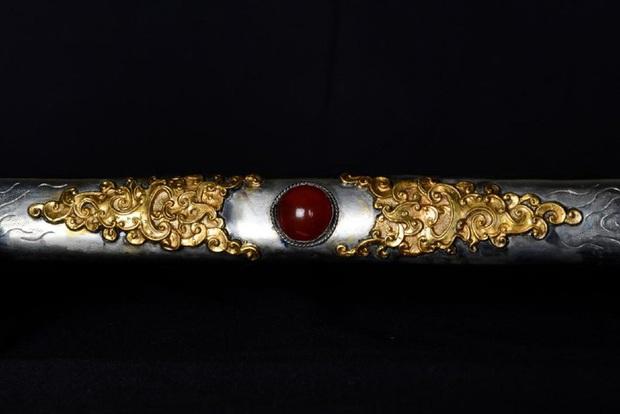Kiếm của vua Thành Thái nhà Nguyễn được bán ở Mỹ với mức giá 50.000 USD: Còn nhiều nghi vấn chưa được giải đáp - Ảnh 3.