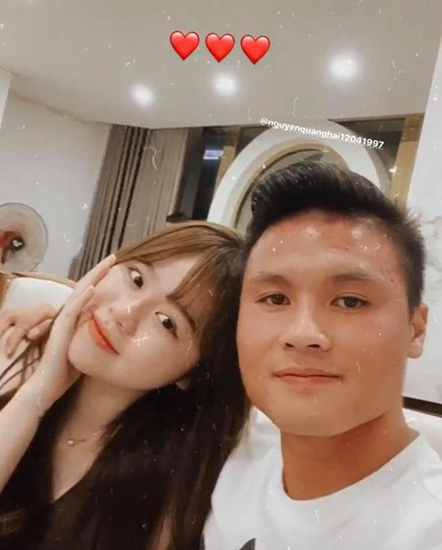 Huỳnh Anh khoe ảnh ở trường quay chương trình thể thao, netizen lập tức cà khịa: Chờ ngày Quang Hải được gọi tên - Ảnh 6.