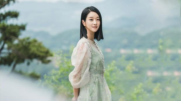 4 phim Hàn có gu thời trang đỉnh cao nhất mọi thời đại: Hội Penthouse còn thua xa chịu Nguyệt IU - Ảnh 15.