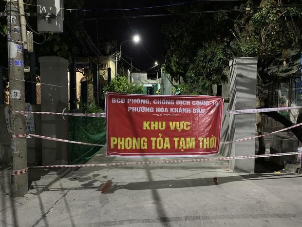Các ca COVID-19 cộng đồng mới đi khắp các quận huyện, Đà Nẵng khẩn tìm người liên quan - Ảnh 2.