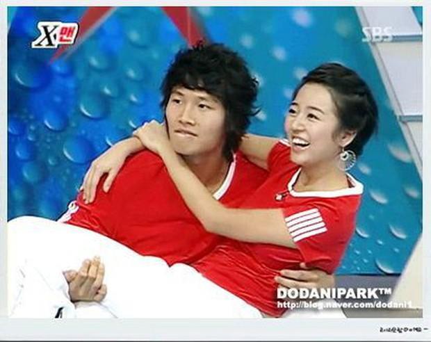 Quiz: Mãi không chịu lấy vợ, Kim Jong Kook lại vướng tin đồn tình cảm với loạt mỹ nhân nào? - Ảnh 1.