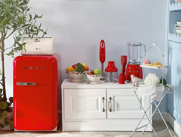 Căn bếp full bộ Smeg đẹp u mê của admin group đồ gia dụng: Khen nhất máy ép chậm, tủ lạnh xinh nhưng không nhiều chức năng - Ảnh 15.