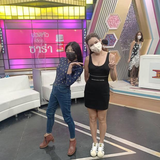 """Vừa gây choáng với diện mạo """"căng đét"""" mới nâng cấp, hot girl mặt nhàu Thái Lan lộ ảnh thật chưa qua chỉnh sửa khiến dân tình tranh cãi - Ảnh 7."""