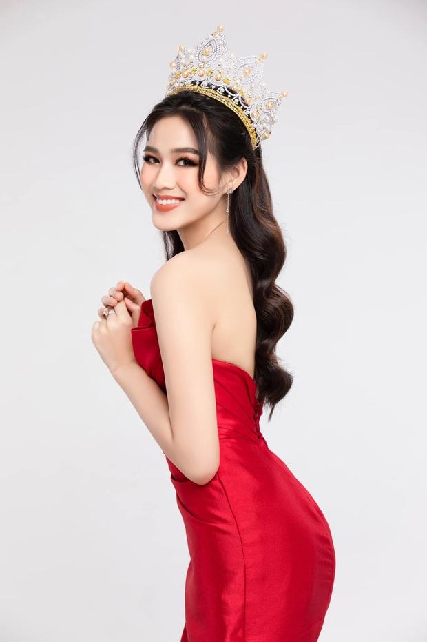 Sinh nhật đầu tiên của Đỗ Thị Hà sau khi đăng quang Hoa hậu: Khoe visual đời thường xinh xỉu, bất ngờ với loạt ảnh bị dìm! - Ảnh 6.