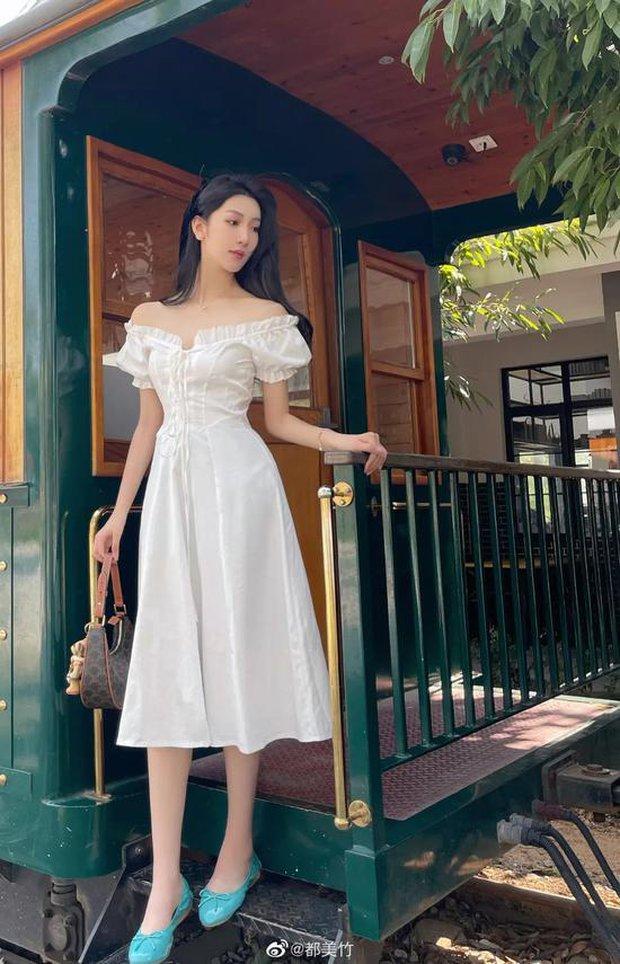 """Hot girl 19 tuổi khiến Ngô Diệc Phàm thân bại danh liệt: Sinh viên trường danh giá top đầu Trung Quốc, visual xuất sắc nhưng bị nghi """"dao kéo"""" - Ảnh 12."""