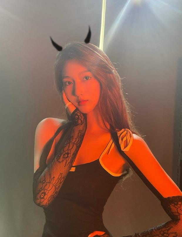 """Hot girl 19 tuổi khiến Ngô Diệc Phàm thân bại danh liệt: Sinh viên trường danh giá top đầu Trung Quốc, visual xuất sắc nhưng bị nghi """"dao kéo"""" - Ảnh 15."""