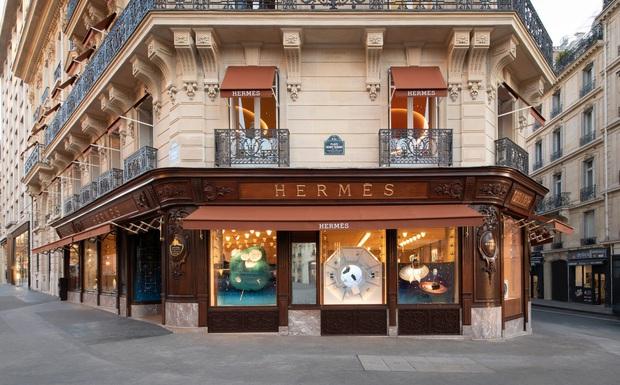 Chỉ mất hơn 1 tháng để mua lại Tiffany & Co nhưng LVMH (tập đoàn sở hữu Dior, Louis Vuitton) lại mất gần 2 thập kỷ để rồi chịu thua trước thương hiệu này - Ảnh 2.