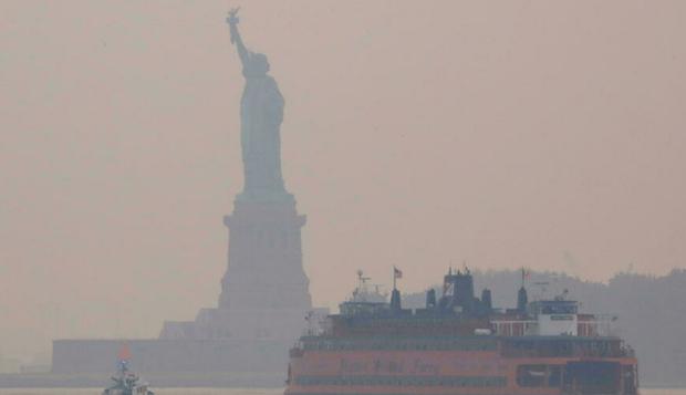 Khói cháy rừng ở miền Tây gây ô nhiễm không khí tại nhiều địa phương nước Mỹ - Ảnh 2.