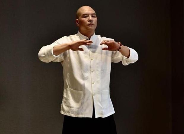 """Vén màn võ công lợi hại của """"đại cao thủ"""" là sư phụ của Jack Ma, một đòn hạ """"gã khổng lồ"""" Nhật Bản - Ảnh 1."""
