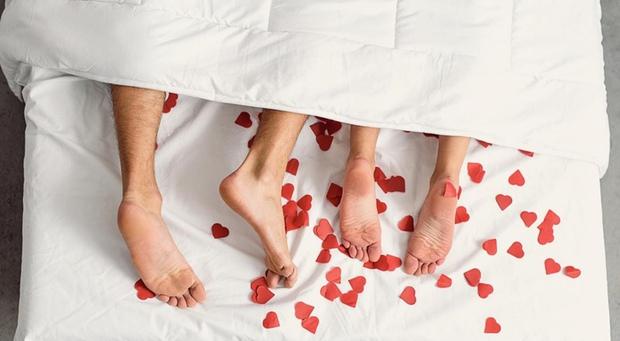 Giải ngố 18+: Quan hệ tình dục theo 3 cách sau rất dễ làm tổn thương tử cung và tuyến tiền liệt - Ảnh 2.