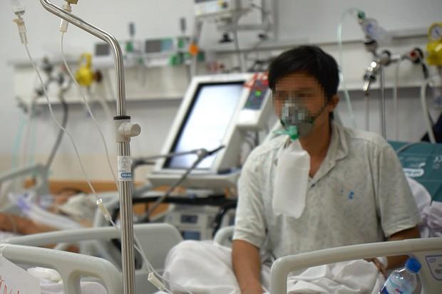 Cận cảnh quy trình đánh chặn giúp bệnh nhân Bệnh viện Hồi sức COVID-19 thoát cửa tử - Ảnh 8.